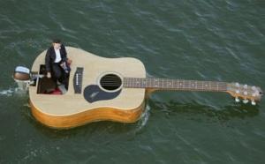 14376,xcitefun-guitar-boat-1